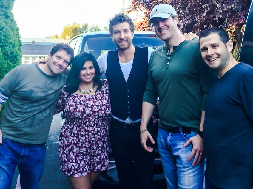 Ellen Tailor Brett Eldredge Fitz In The Morning Blind Date - 1